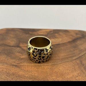 Cocktail ring leopard print goldtone animal print